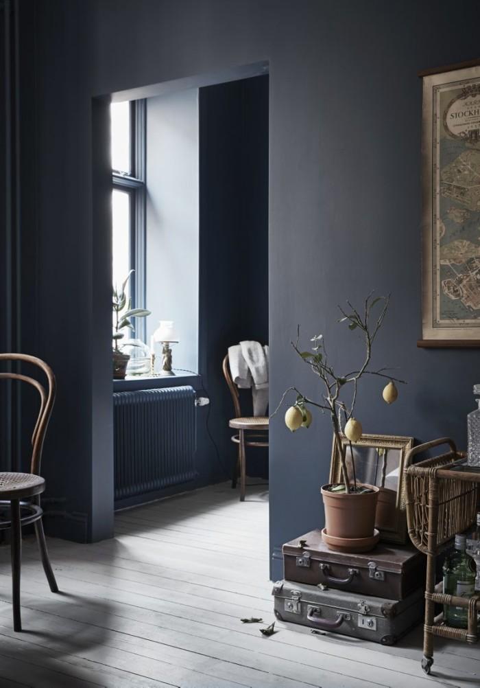 klein-appartement-van-30m2-met-denim-blauwe-muren-2