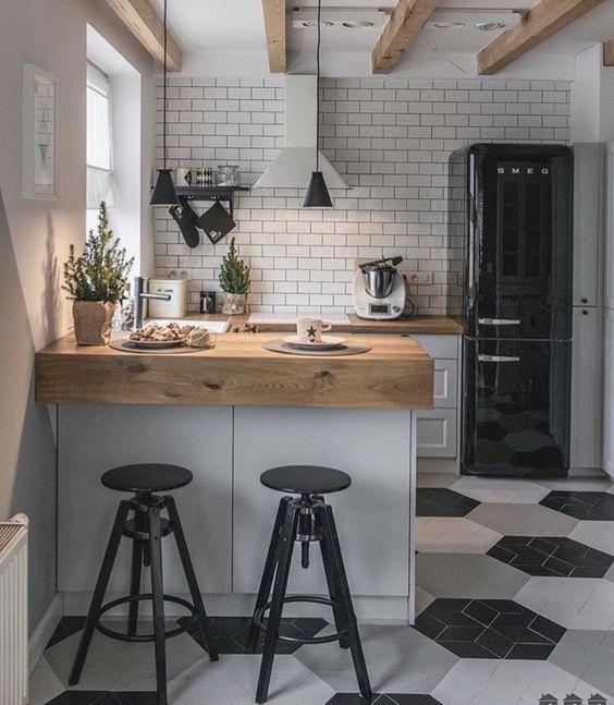 Kleine keuken inrichten bartafel