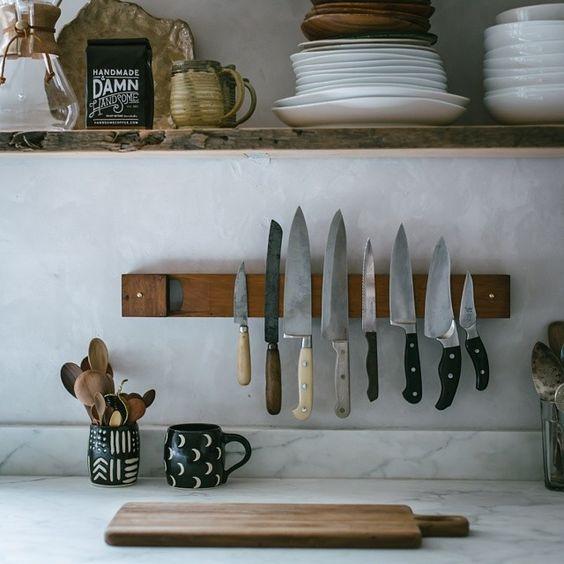 Kleine keuken inrichten messenmagneet
