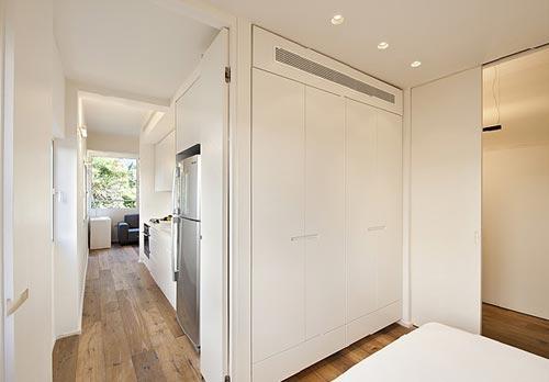 Kleine minimalistische slaapkamer interieur inrichting - Deco klein appartement ...