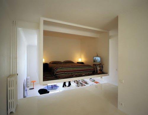 Kleine zwevende open slaapkamer