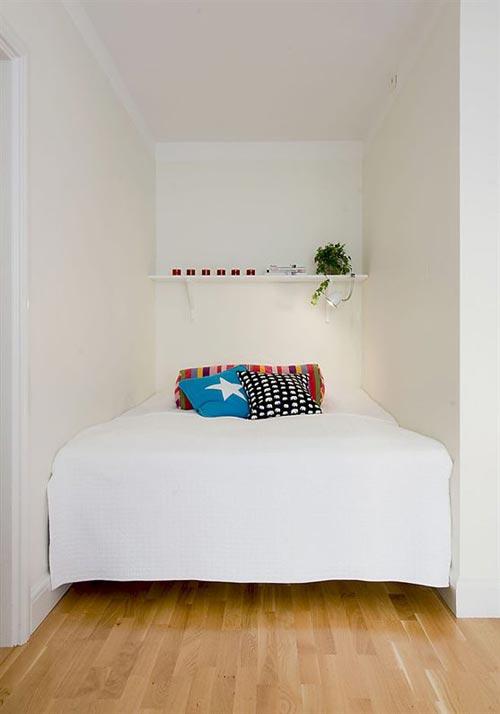 Op maat gemaakt bed in kleine slaapkamer