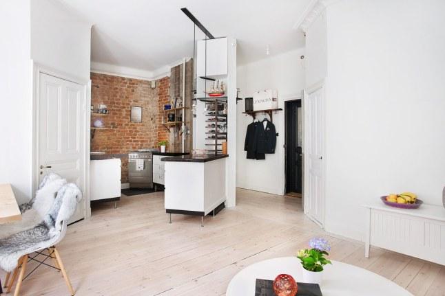 Kleine speelse keuken in een hoekje interieur inrichting - Keuken uitgerust voor klein gebied ...
