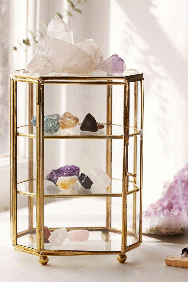 kristallen in huis glazen display