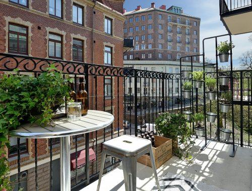 Kruidenrek op het balkon