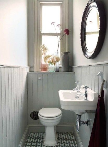 Lambrisering in het toilet interieur inrichting for Good bathroom ideas