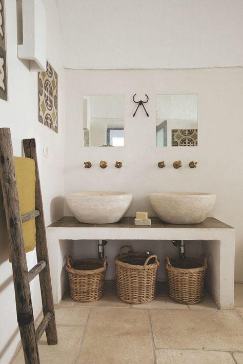 Landelijke badkamers voorbeelden gevlochten manden