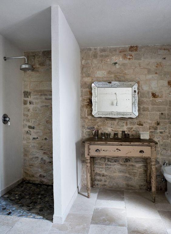 Landelijke badkamers voorbeelden stenen muur