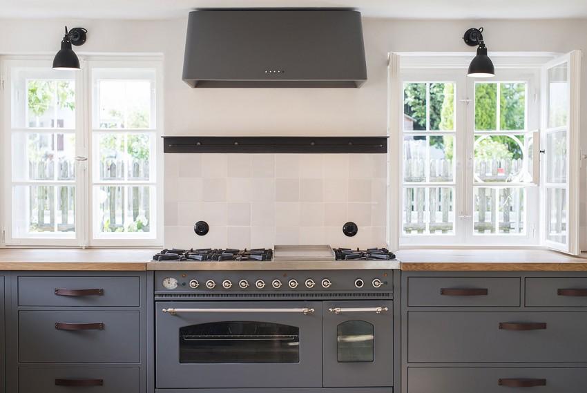Landelijke grijs blauwe keuken