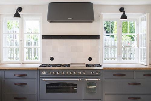 Wandtegels Keuken Blauw : Landelijke keuken van woonboerderij Interieur inrichting