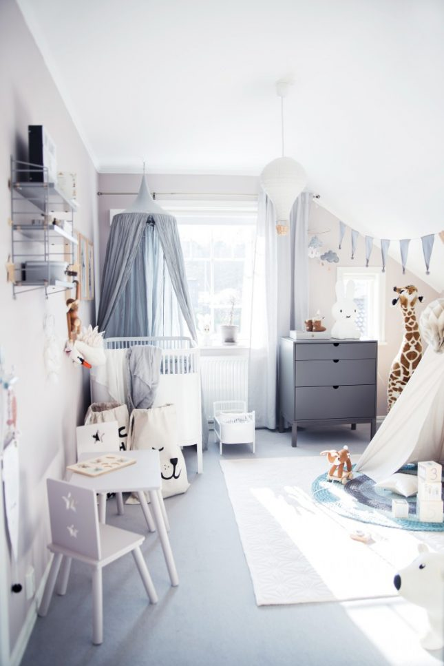 Leuke babykamer met zachte pastelkleuren interieur for Kinderzimmer nordisch
