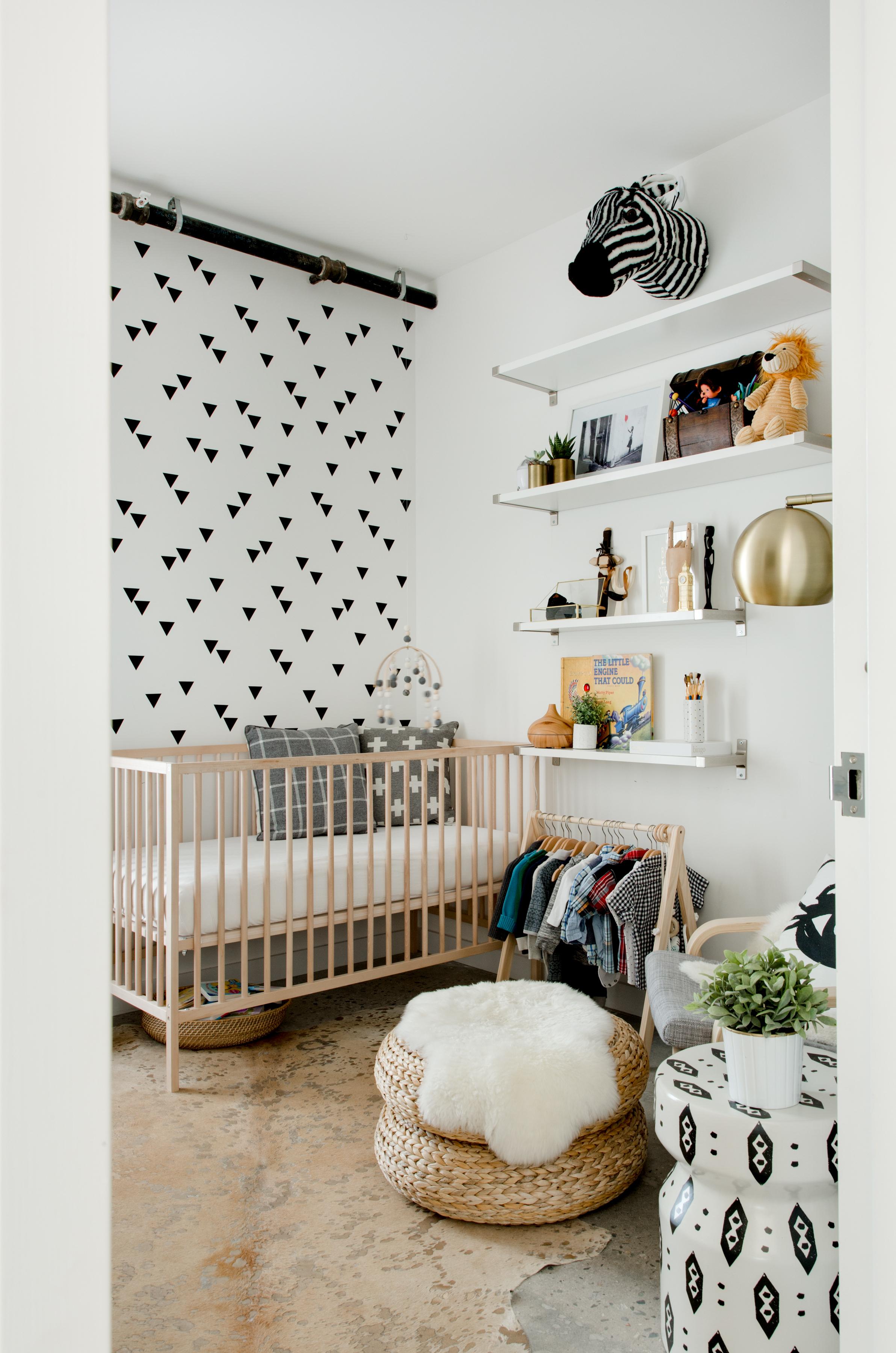 Eames Schommelstoel Babykamer.Leuke Budget Kinderkamer Van Phoenix Interieur Inrichting