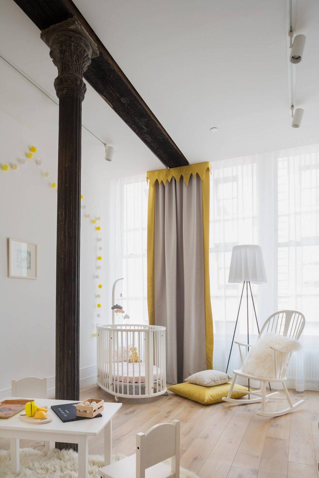 Leuke kinderkamer in een stoer loft appartement