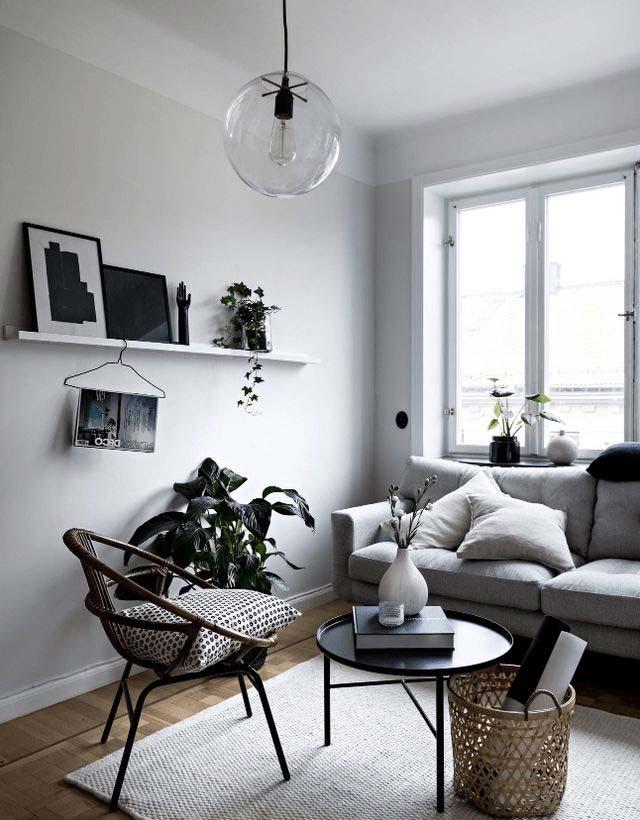 lichtgrijze muur woonkamer