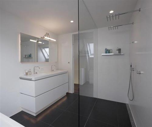 Luxe badkamer van chalet in oostenrijk interieur inrichting - Luxe badkamer design ...