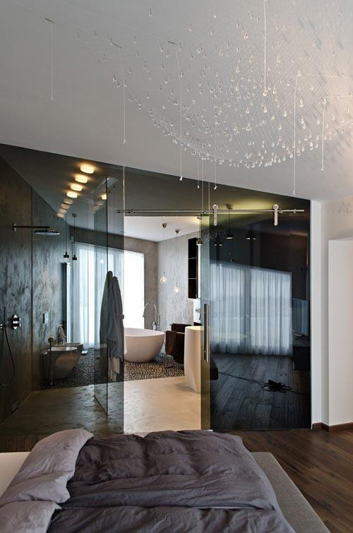 Luxe slaapkamer en badkamer