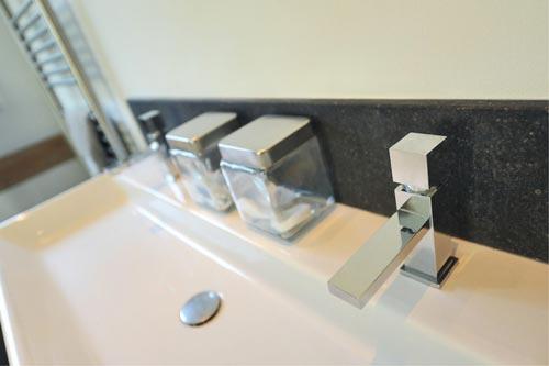 Luxe villa badkamer
