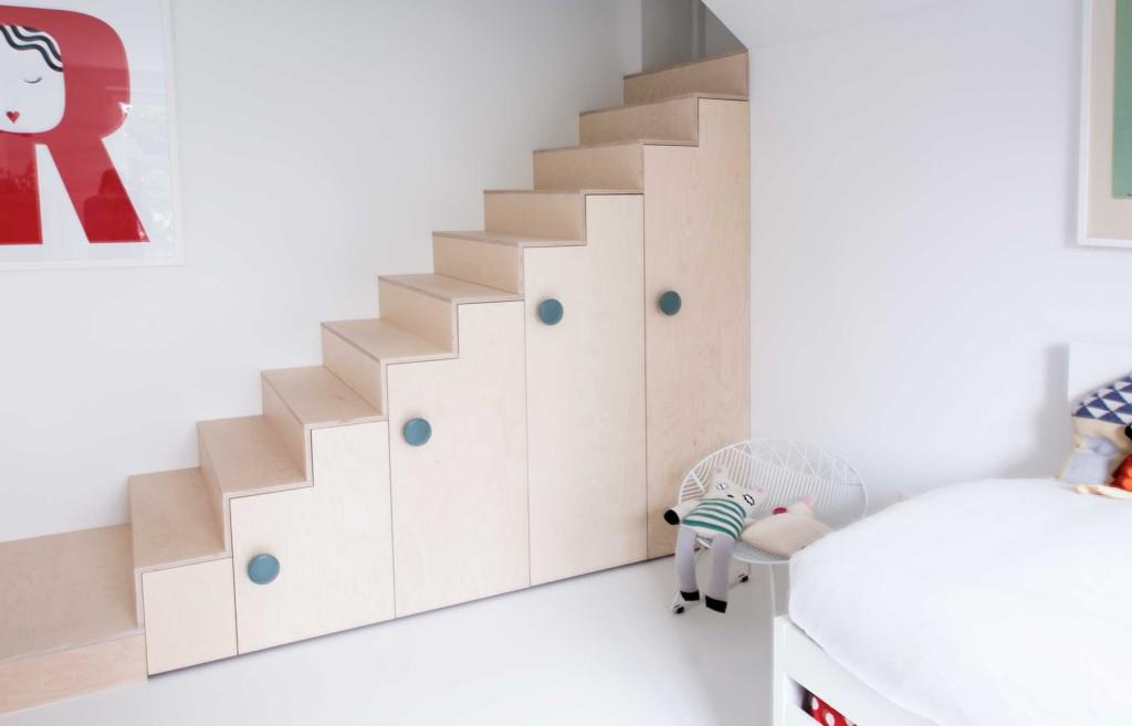 Maatwerk underlayment trapkast in kinderkamer interieur inrichting
