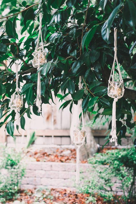 Macrame planthangers tuin