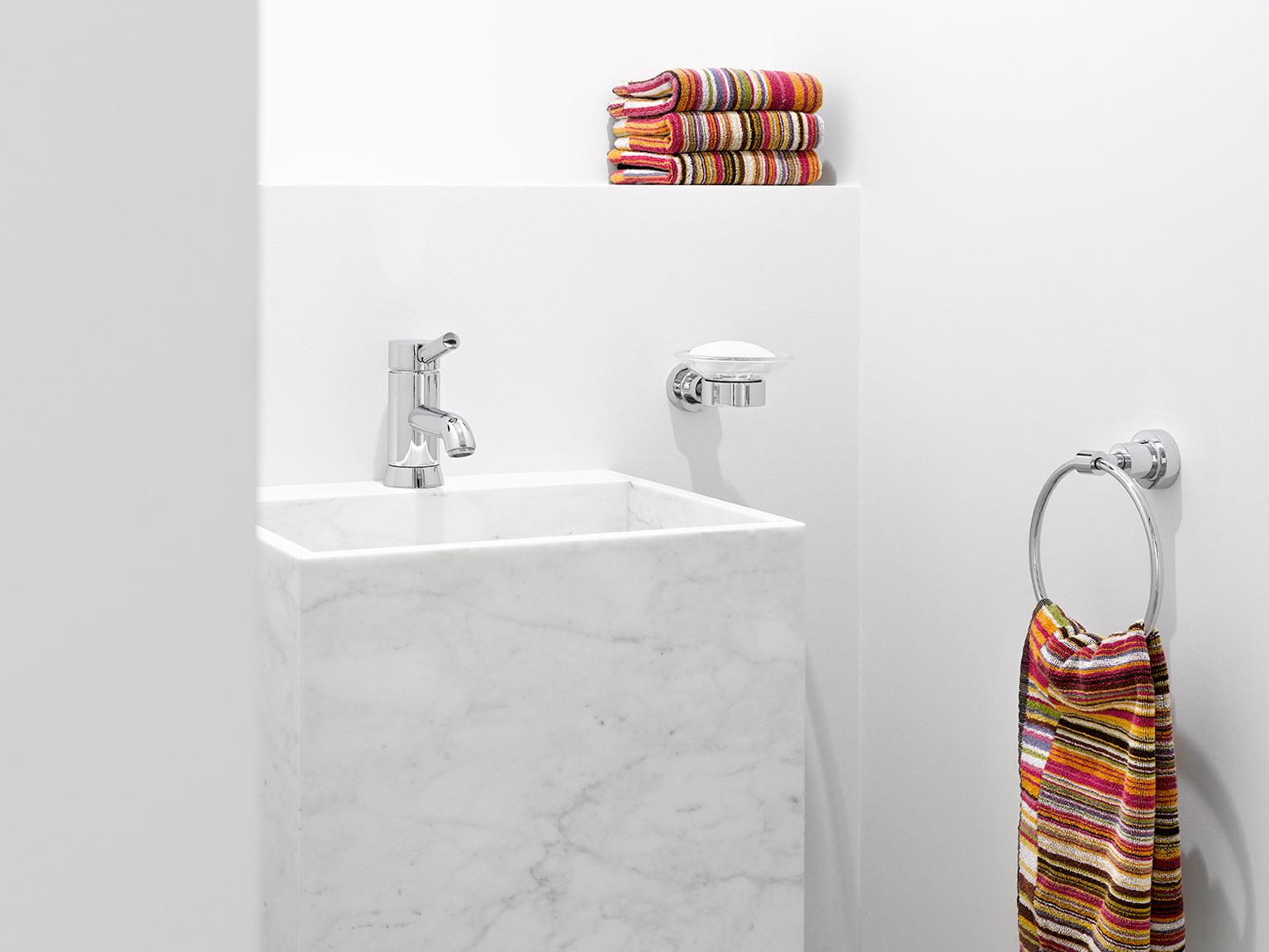 Kleine Wasbak Toilet : Breed toilet met een chique ontwerp interieur inrichting