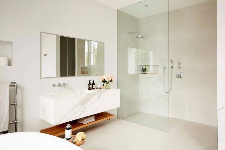Badkamer Montage Kosten : Kosten badkamer monteren u devolonter