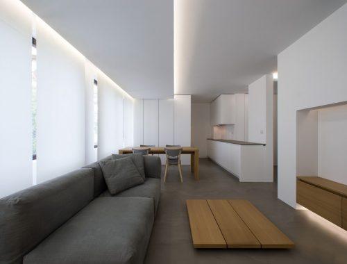 Minimalistisch strak appartement door interieurarchitect Elia Nedkov