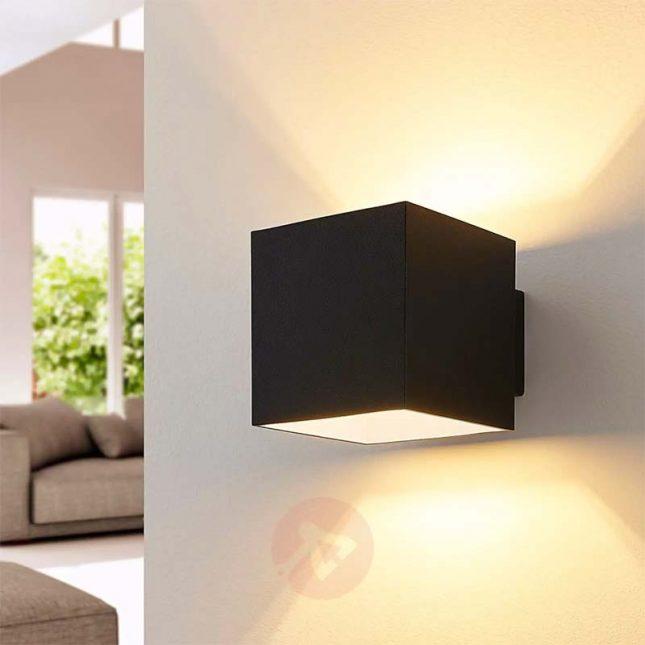 Minimalistische vierkante zwarte wandlamp