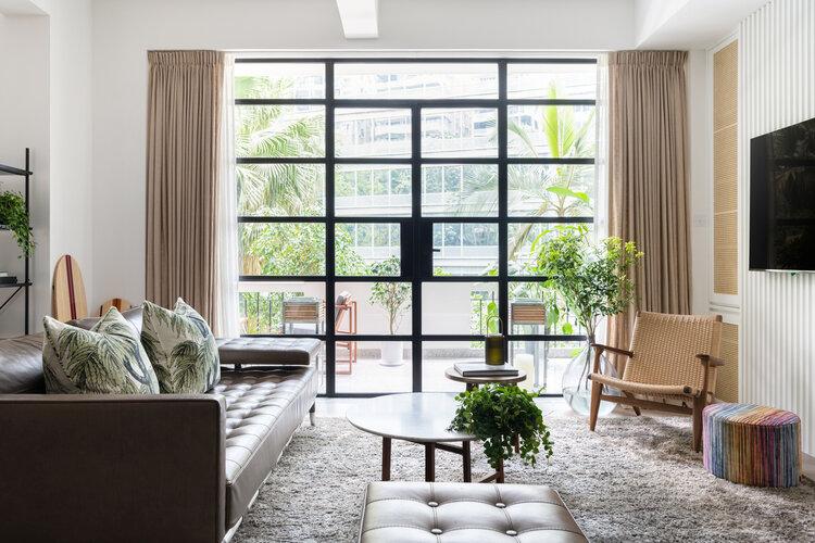 modern luxe appartement met natuur thema interieur