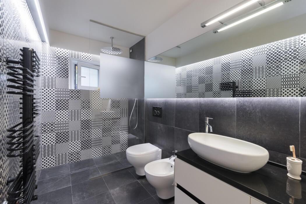 Moderne badkamer in een woonboerderij interieur inrichting - Bagno stile spa ...