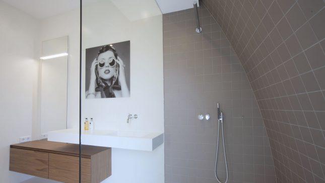 Moderne Badkamer Idees : Witte Moderne Badkamer Badkamer Ideeën ...
