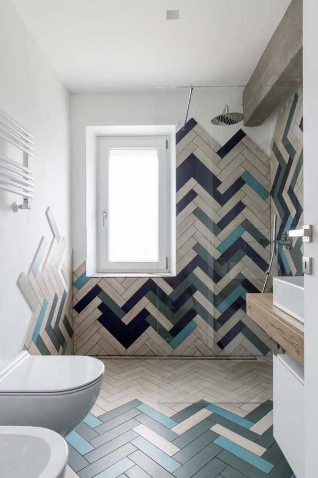 Moderne badkamers voorbeelden visgraattegels