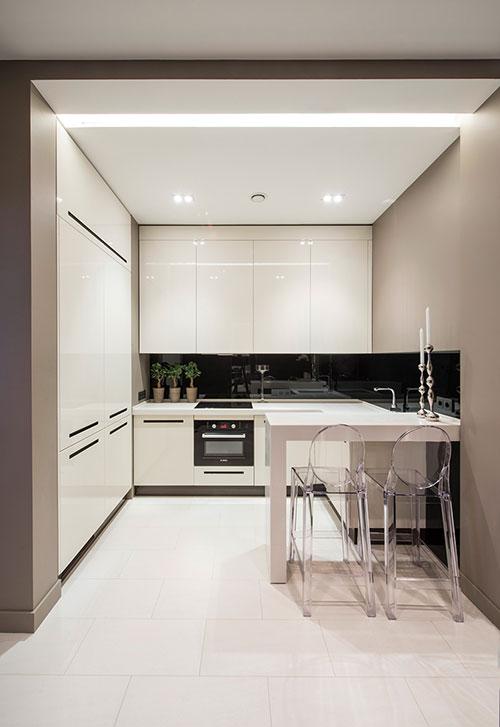 Moderne interieur inrichting van klein appartement in for Interieur inrichting