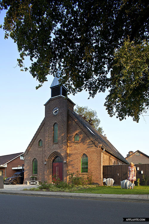 moderne-interieur-inrichting-voormalige-kerk22