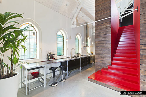 moderne-interieur-inrichting-voormalige-kerk4
