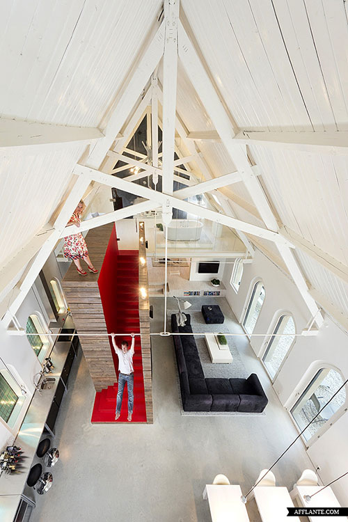 moderne-interieur-inrichting-voormalige-kerk7