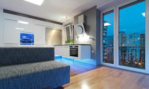 Moderne Tl Verlichting Keuken : Moderne keuken met led verlichting ...