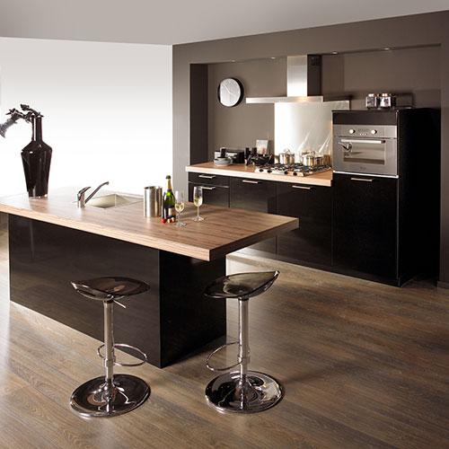 Moderne keuken met led verlichting   Interieur inrichting