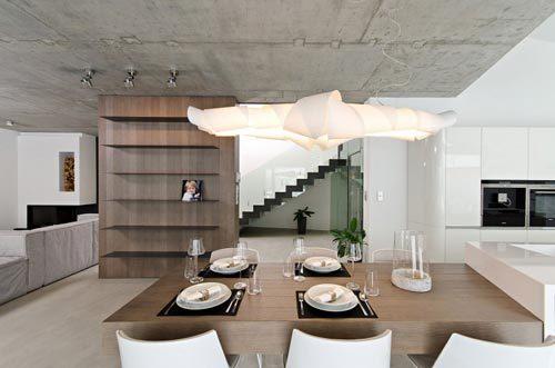 Moderne open keuken door OOOOX architecten