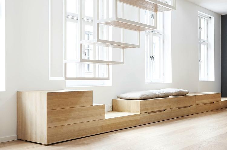 Een nieuwe trap om twee appartementen met elkaar te verbinden!