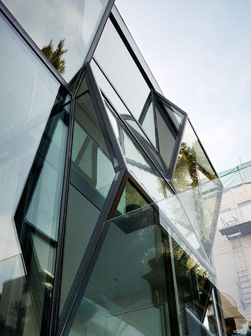 Moderne woning interieur van Flip house