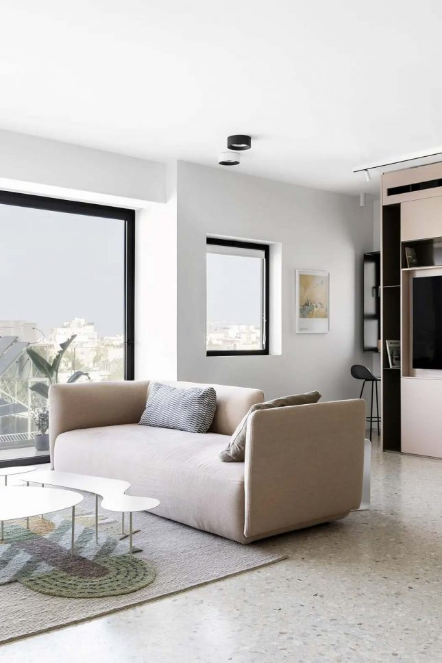 moderne woonkamer lichte beige bank