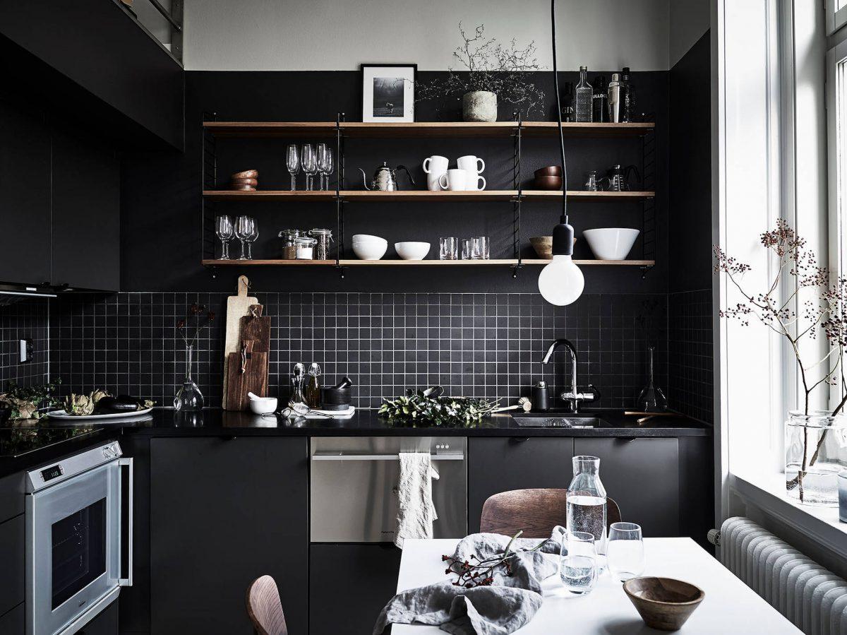 moderne-zwarte-keuken
