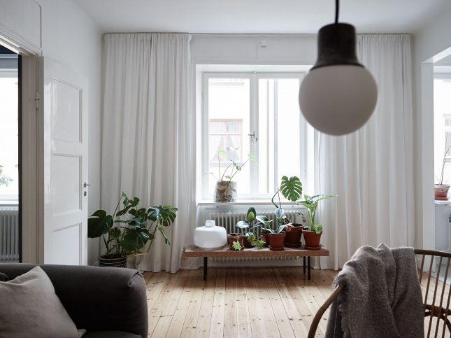 Praktische Inrichting Kleine Slaapkamer : licht erg fijn, maar ondanks ...