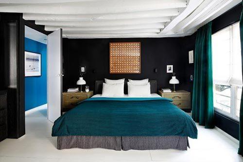 Mooie kleuren combi in sfeervolle slaapkamer