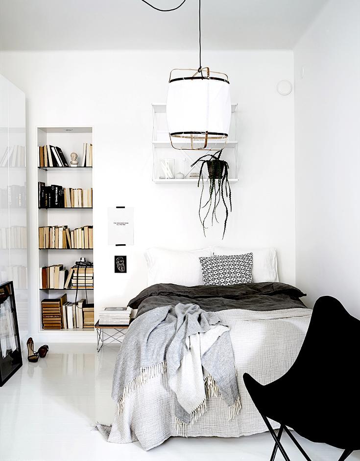 mooie-open-scandinavisch-witte-slaapkamer
