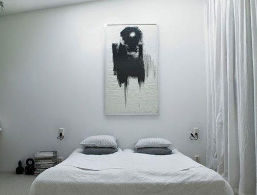 Mooie slaapkamer onder puntdak