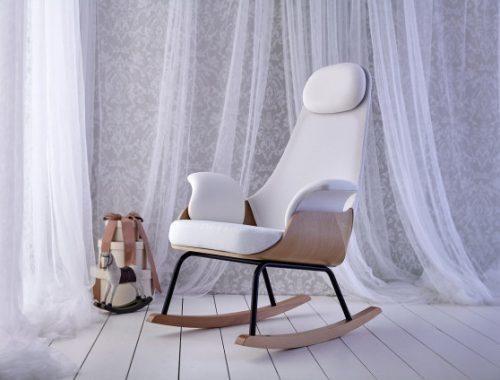 NANA, de schommelstoel voor borstvoeding