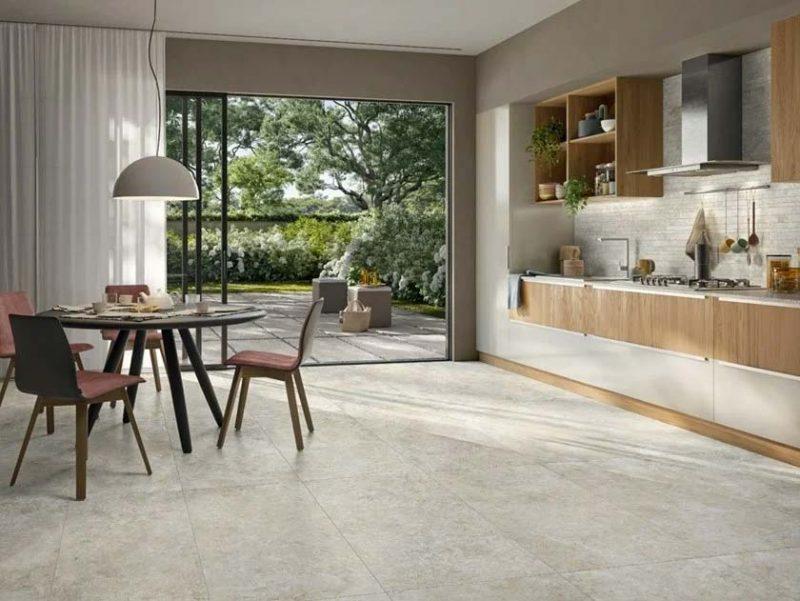 In deze keuken vind je de mooie marmerlook tegels van Panaria Ceramica.