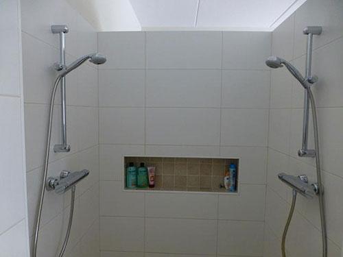 nisjes in de muur | interieur inrichting, Badkamer