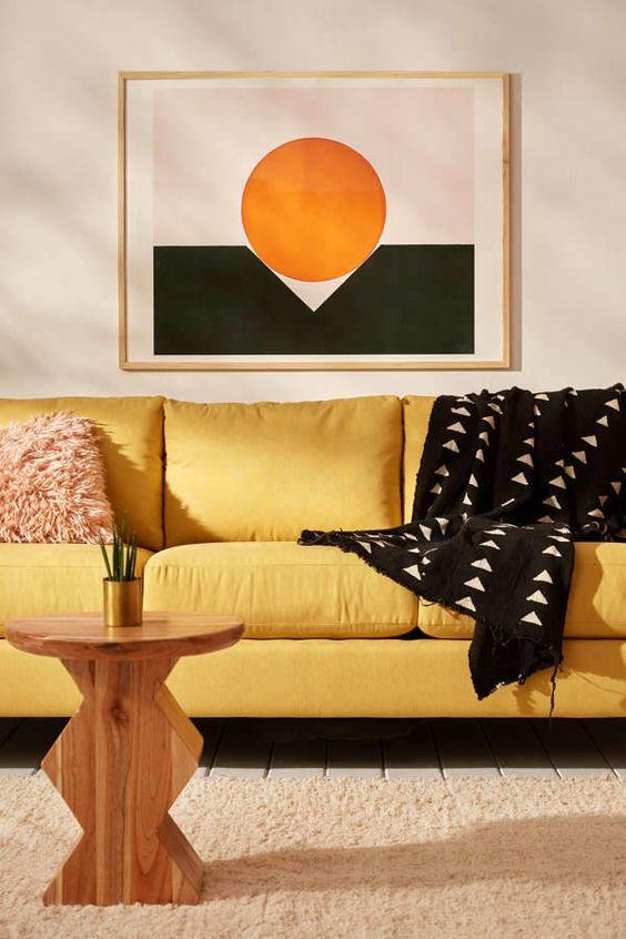 Okergeel interieur - okergele kunstwerken